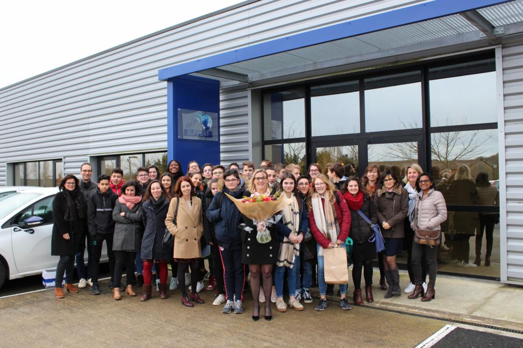 Photo Sabine Tertre et élèves collège Galilée